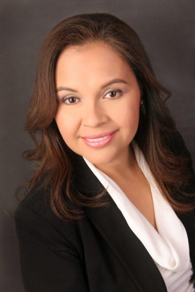 Verónica Castillo-Muñoz headshot